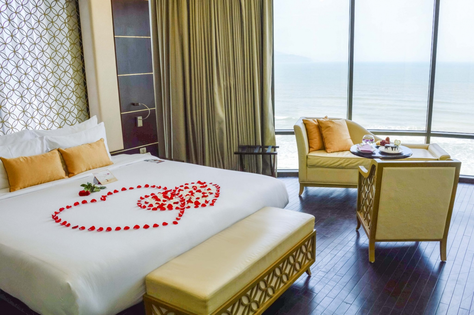Holiday Beach hotel DaNang